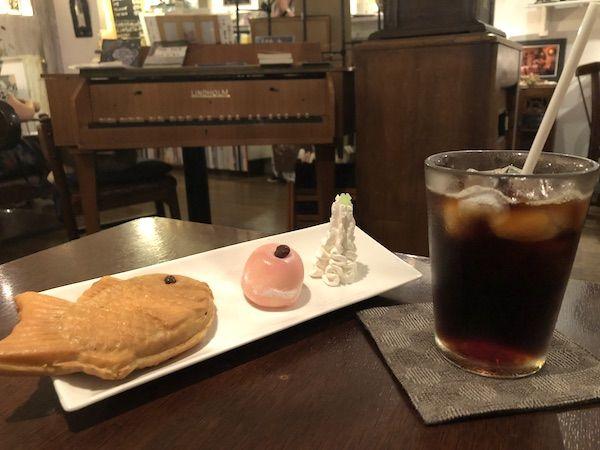 コーヒーとたい焼きの画像