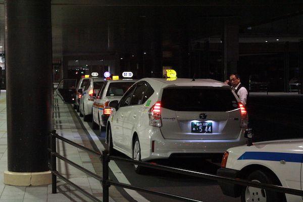 タクシー待ちの画像