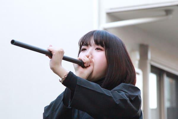 shinobu houseでの吹き矢体験中の画像
