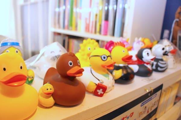 仙台のブックカフェ、へんてこ屋の店内の画像