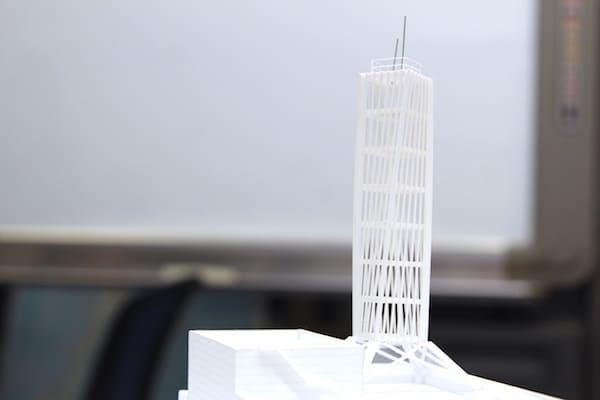 KHB東日本放送の新社屋の鉄塔の画像