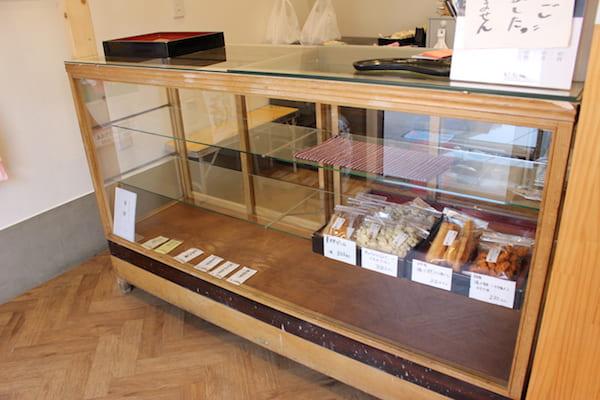 仙台の人気団子店の店内画像
