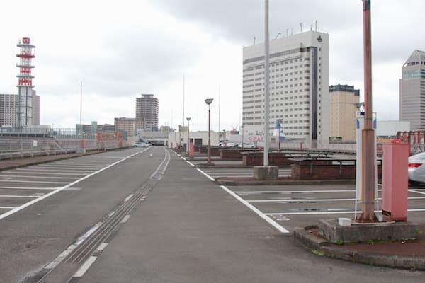 仙台駅屋上駐車場の収容台数