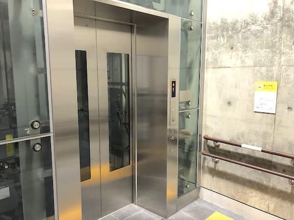 連坊駅のエレベーターの画像