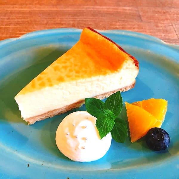 カフェこもれびのベイクドチーズケーキの画像