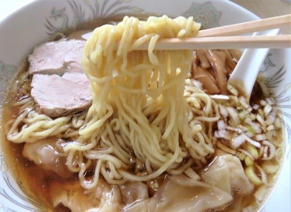 八千代軒 蒲町店の麺の画像