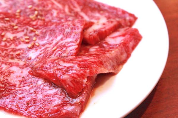 焼肉レストランの仙台牛の厚さの画像