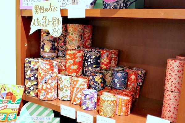 仙台の人気お茶やで売っている茶筒