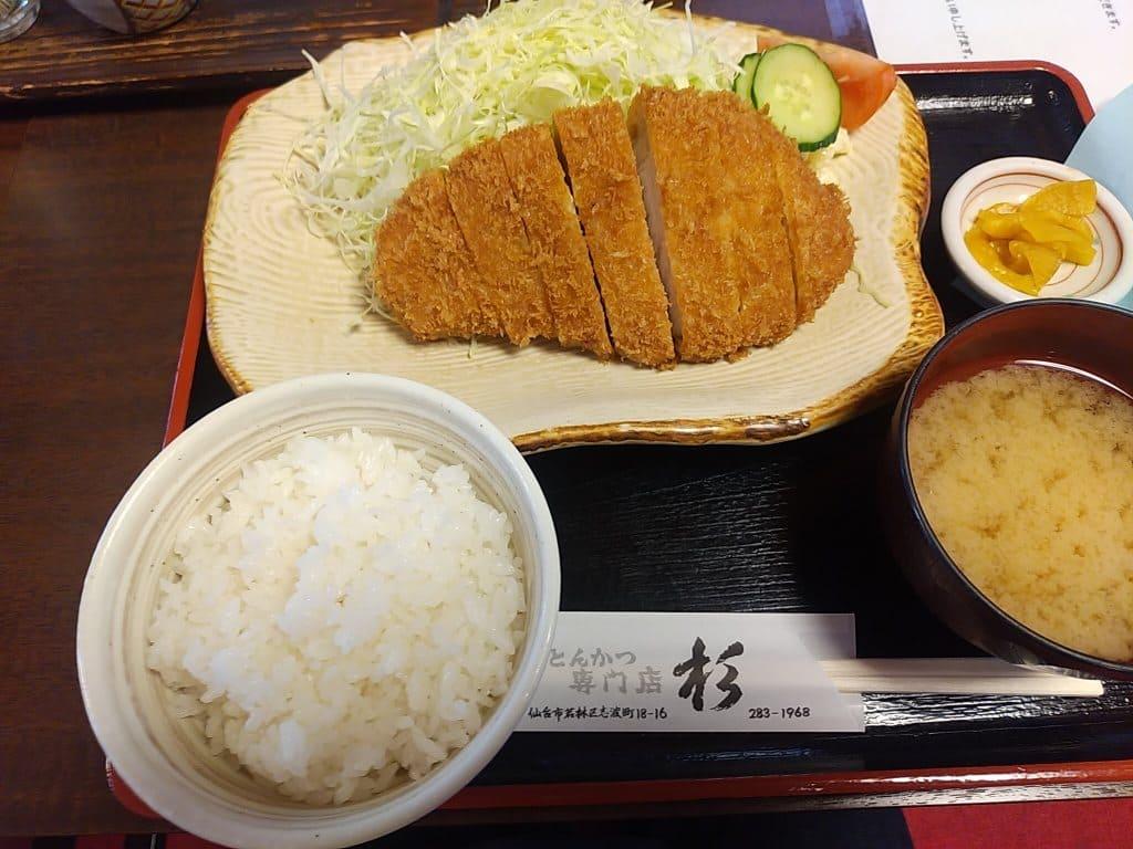 仙台のおすすめのとんかつ店のロースカツ定食の画像