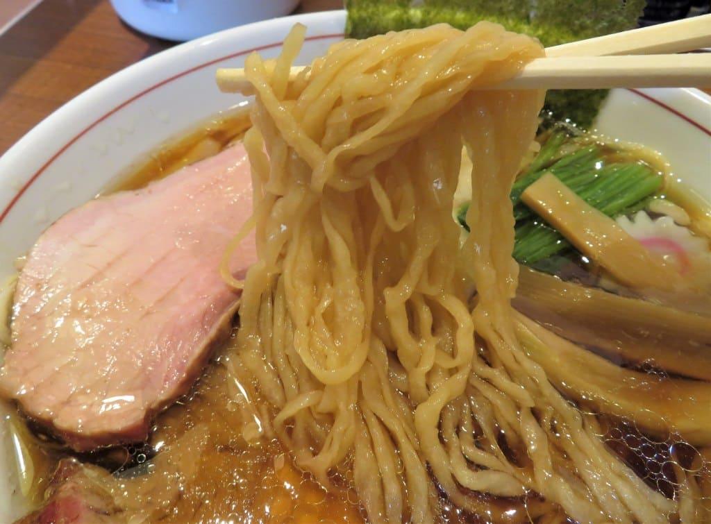 もり中の麺